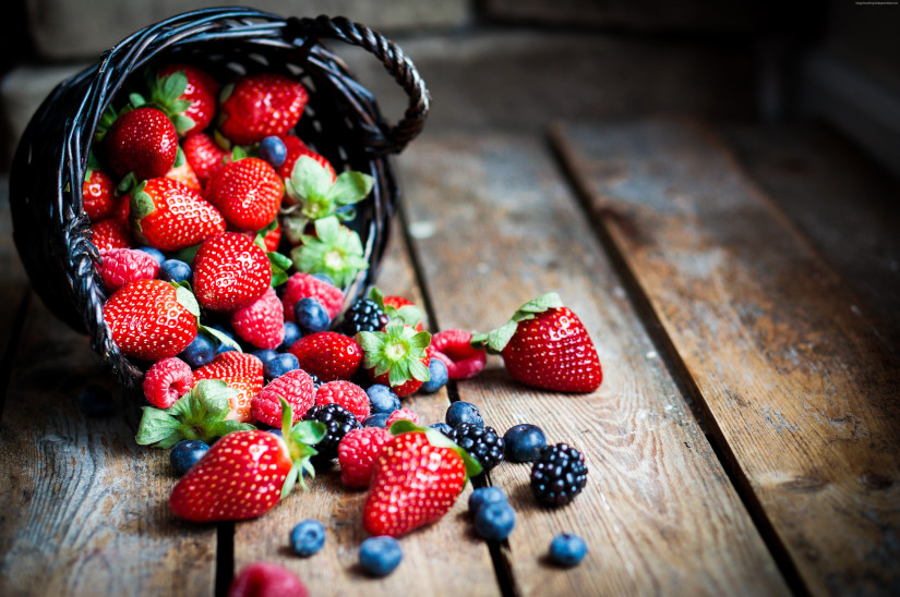 food fruit summer berries